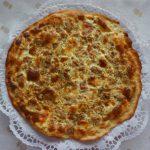 Pizza de mascarpone y atún